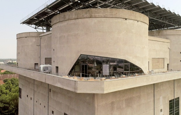 /srv/www/vhosts/user3101/html/entrepreneurship-campus.org/wp-content/uploads/2019/07/uebernachtung-cube-hamburg-energiebunker-terrasse-2.jpg